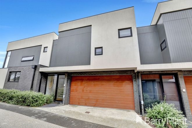 Picture of 2/230 Station  Street, EDITHVALE VIC 3196