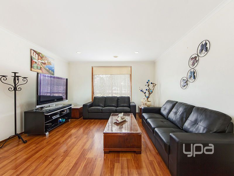 2/54 Bicentennial Crescent, Meadow Heights VIC 3048, Image 1