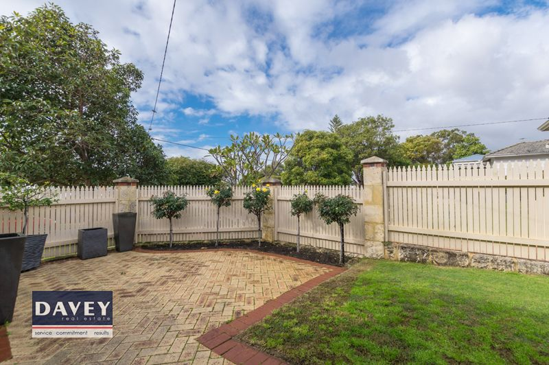 171 Woodside Street, Doubleview WA 6018, Image 2