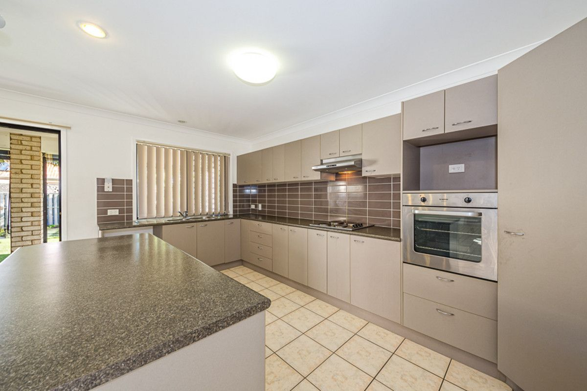 3 Middle Cove Court, Sandstone Point QLD 4511, Image 2