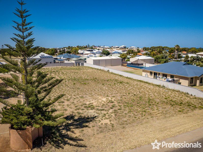 26 Waterfront Circle, Drummond Cove WA 6532, Image 2