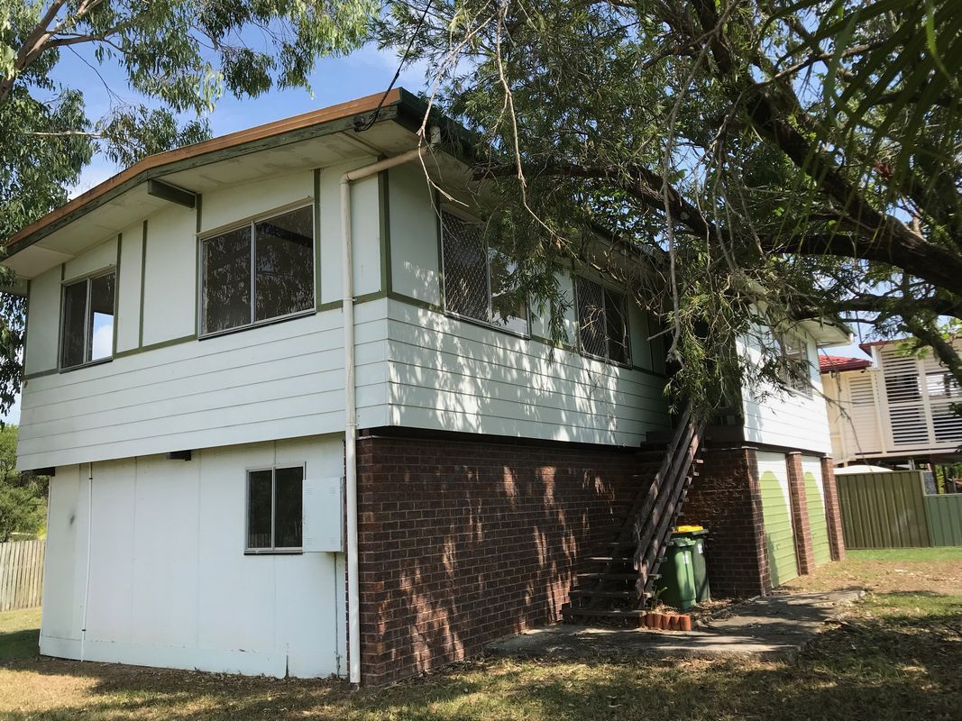 33 Dundee Drive, Morayfield QLD 4506, Image 2