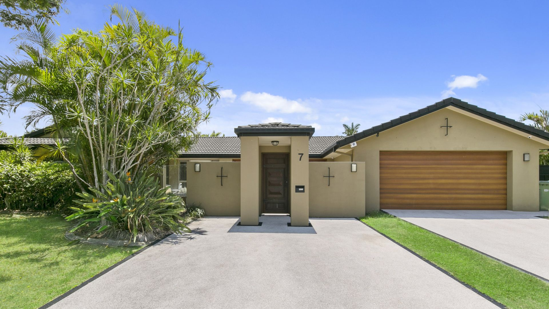 7 Bentleigh Court, Robina QLD 4226, Image 1