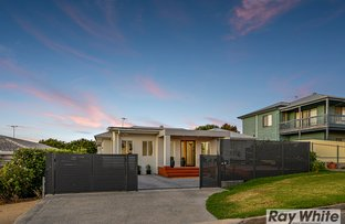 Picture of 9 Neville Avenue, Christies Beach SA 5165