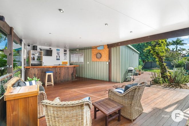 Picture of 76 Barrack Road, CANNON HILL QLD 4170