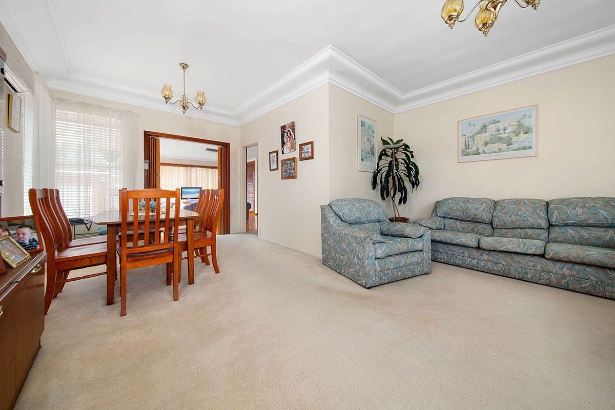 22 Bell Avenue, Beverly Hills NSW 2209, Image 2