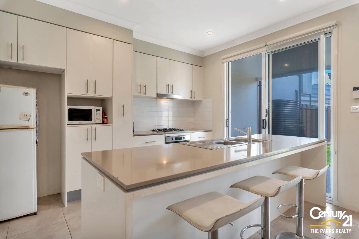 160 Liz Kernohan Drive, Elderslie NSW 2570, Image 1