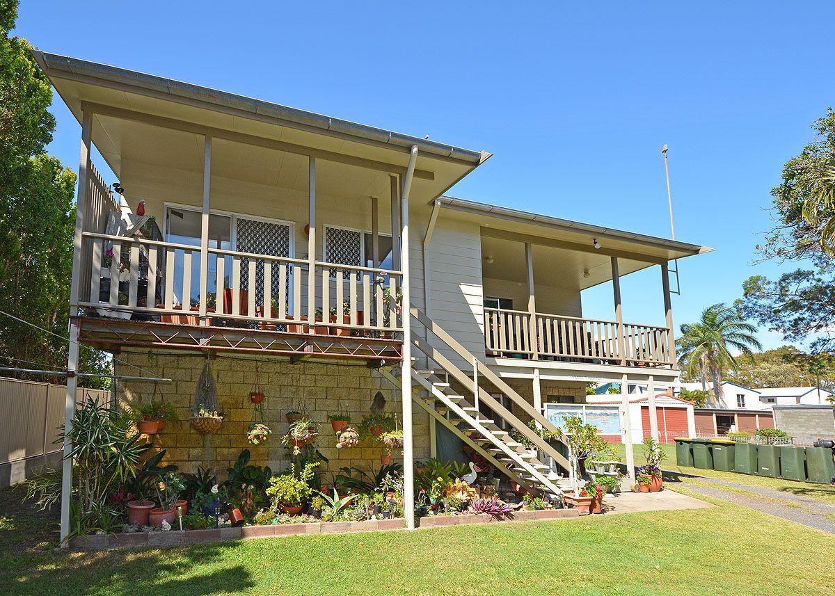 583 Charlton Esplanade, Urangan QLD 4655, Image 1
