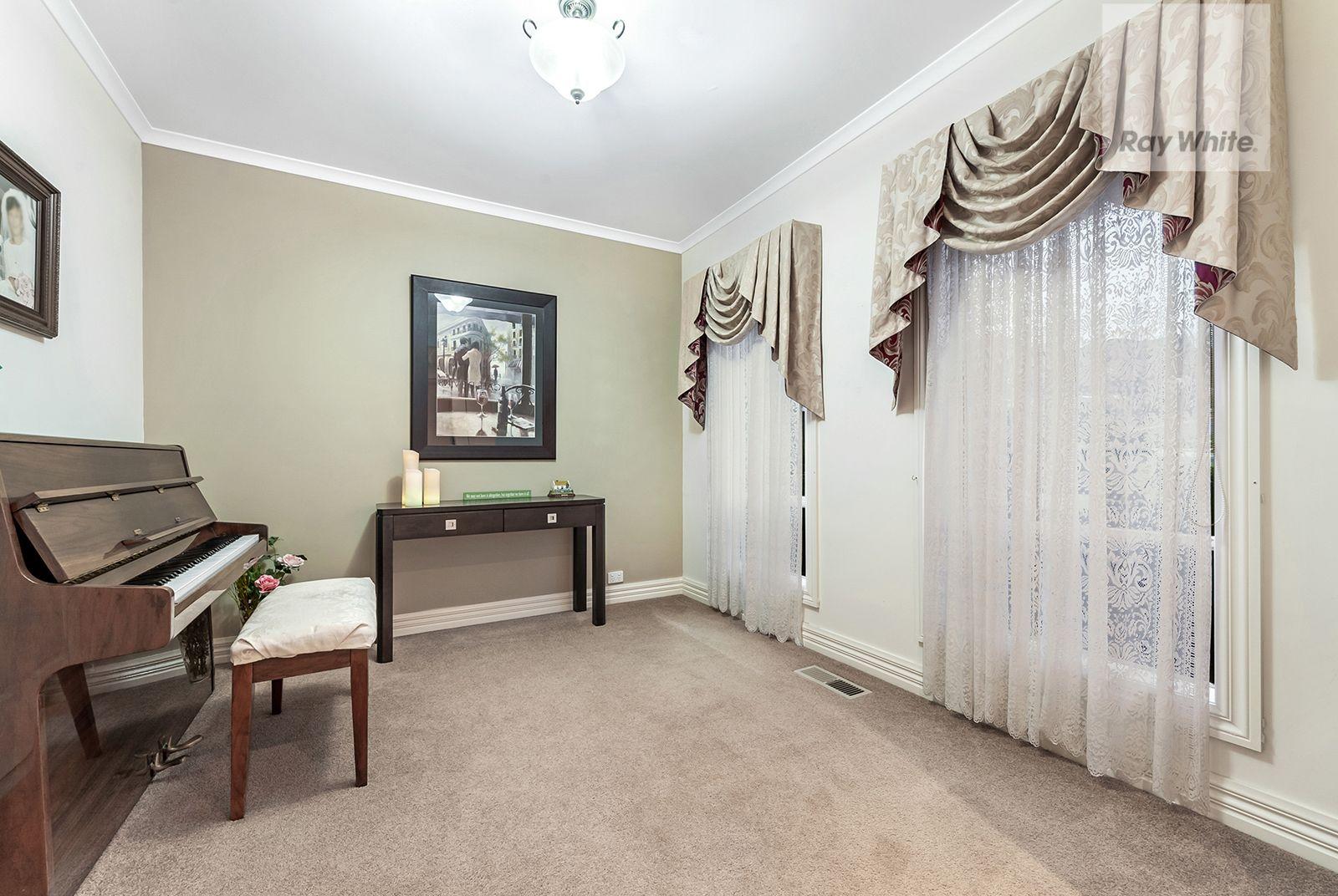 7 Crestmont Terrace, Craigieburn VIC 3064, Image 1