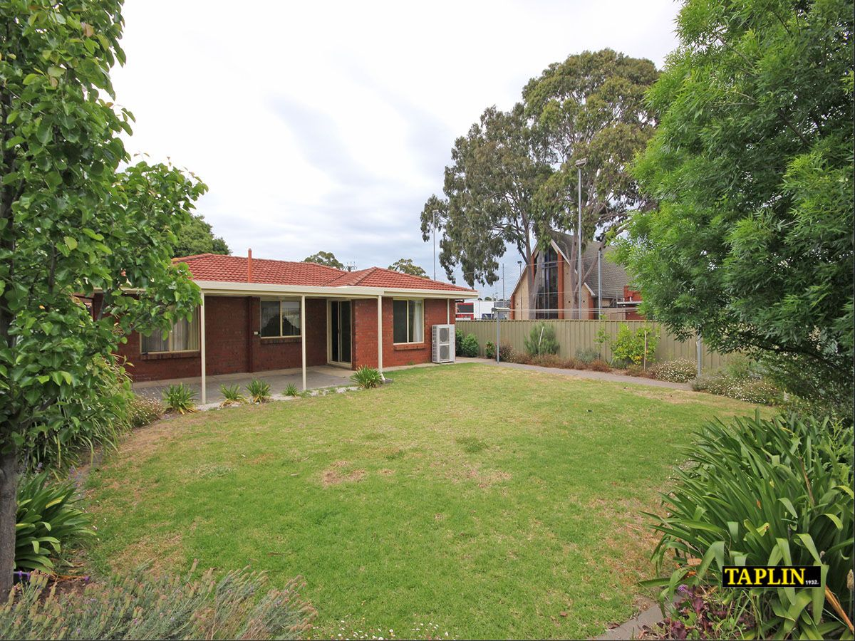 9 Dinwoodie Avenue, Clarence Gardens SA 5039, Image 10