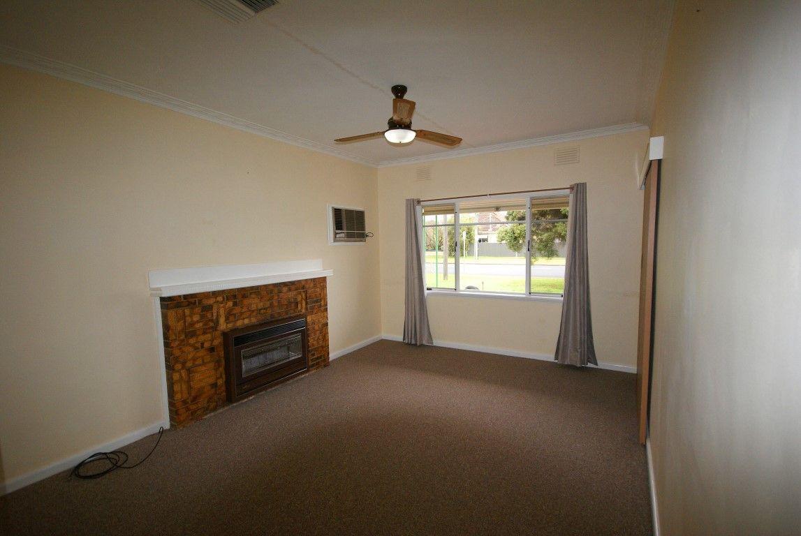 346 Olive Street, Albury NSW 2640, Image 2