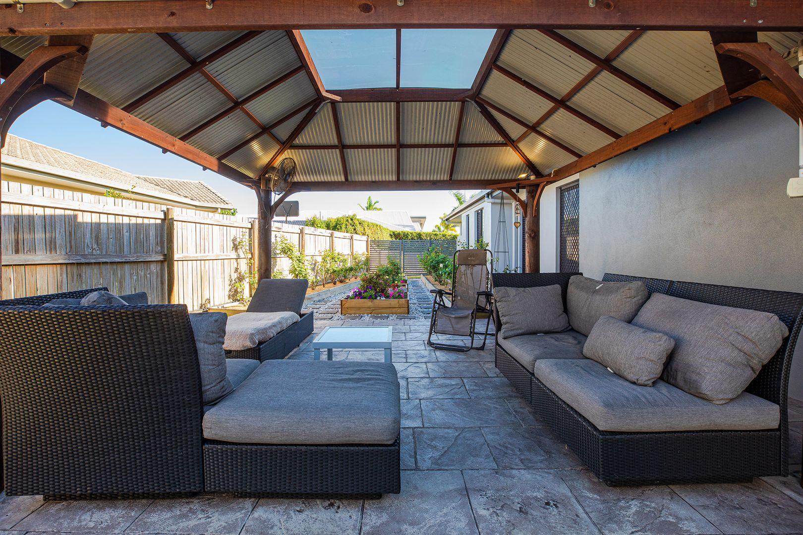 18 Bonsai Court, Glenella QLD 4740, Image 2