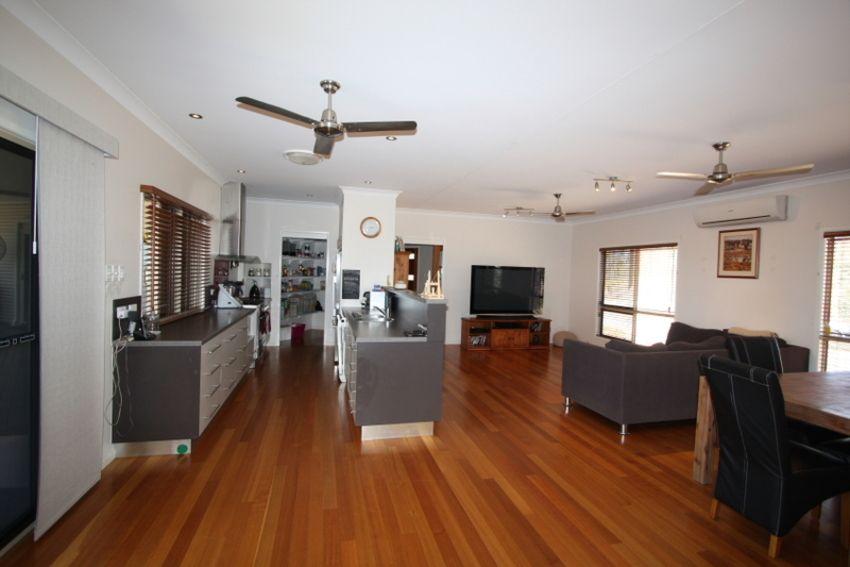 69 Estate Avenue, Toll QLD 4820, Image 2