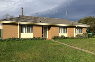 Picture of 2 Burke  Court, Woodend VIC 3442