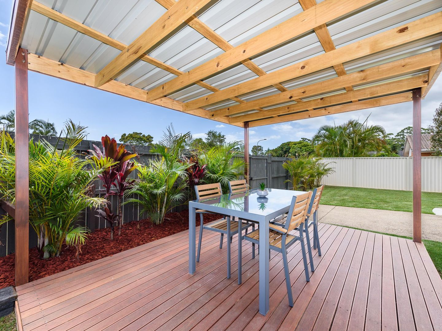 1/2 Warrie Close, Paradise Point QLD 4216, Image 1