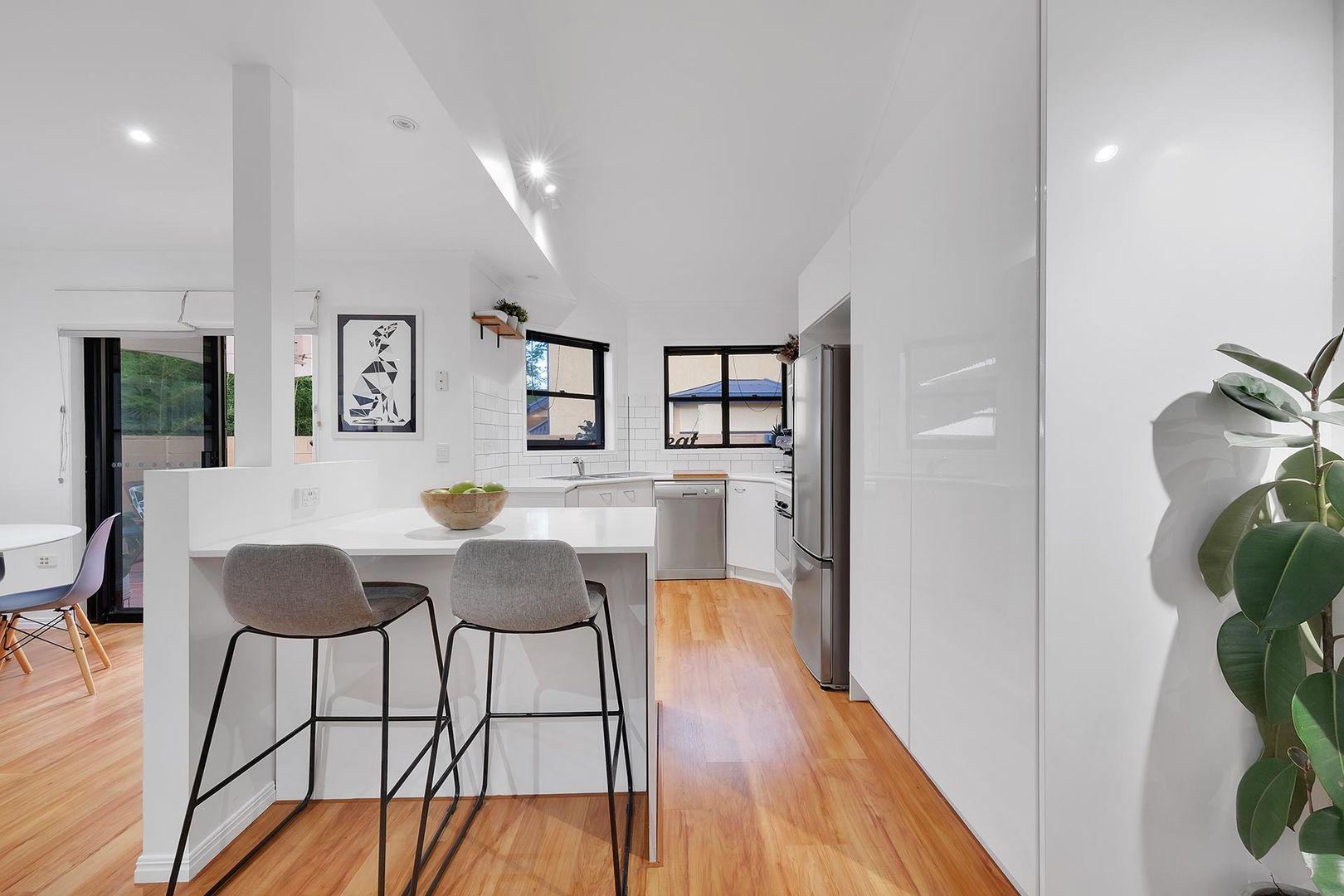 2/30 Rokeby Terrace, Taringa QLD 4068, Image 1