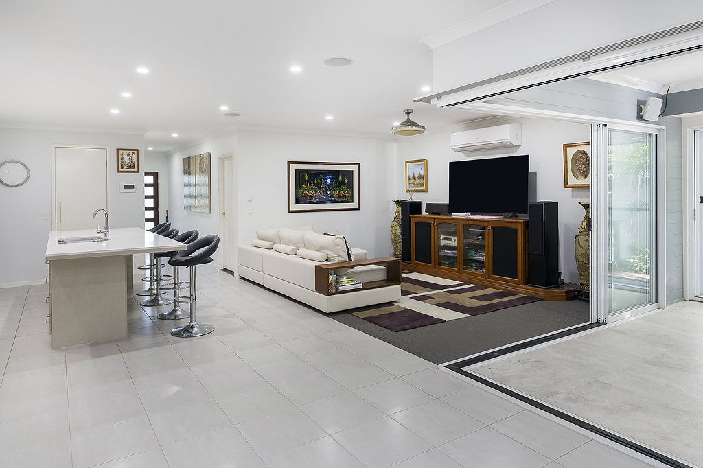 28 Galley Road, Hope Island QLD 4212, Image 2