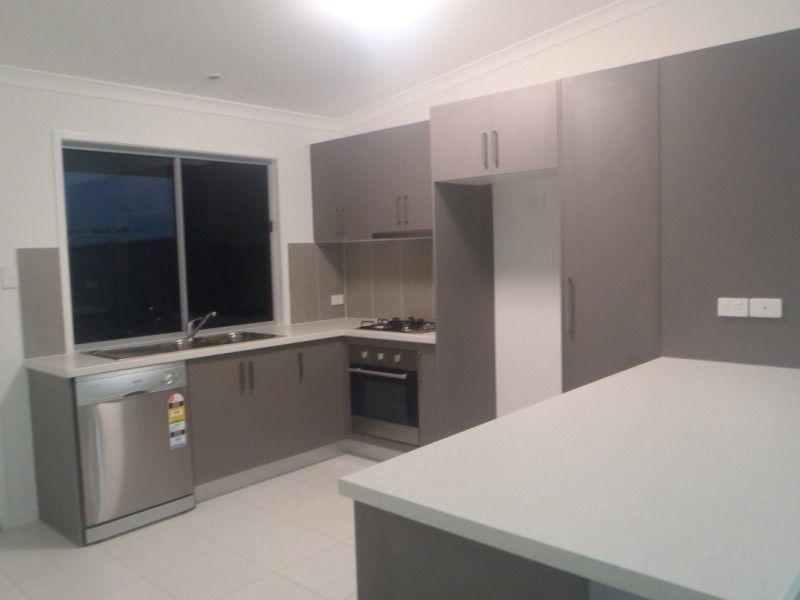 10/8 Hillcrest Street, Emerald QLD 4720, Image 1
