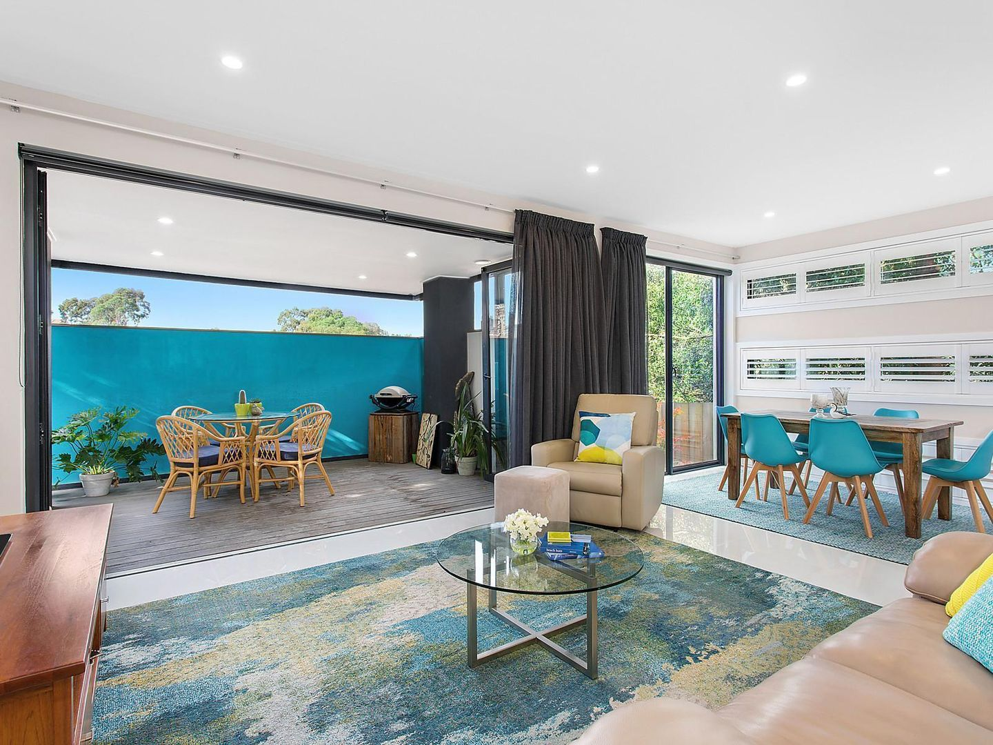 2/8 Woodview Court, Wheelers Hill VIC 3150, Image 2