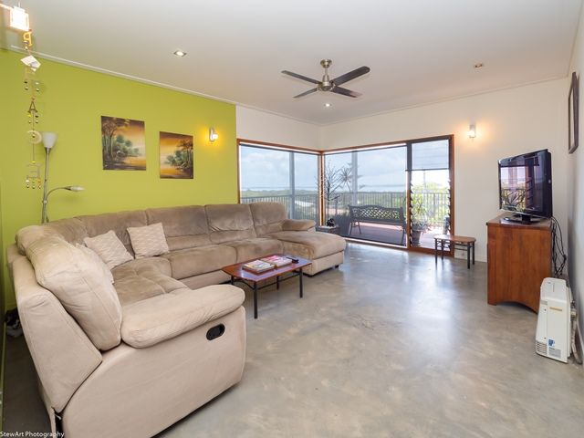 2/5 Blue Water Drive, Booral QLD 4655, Image 1