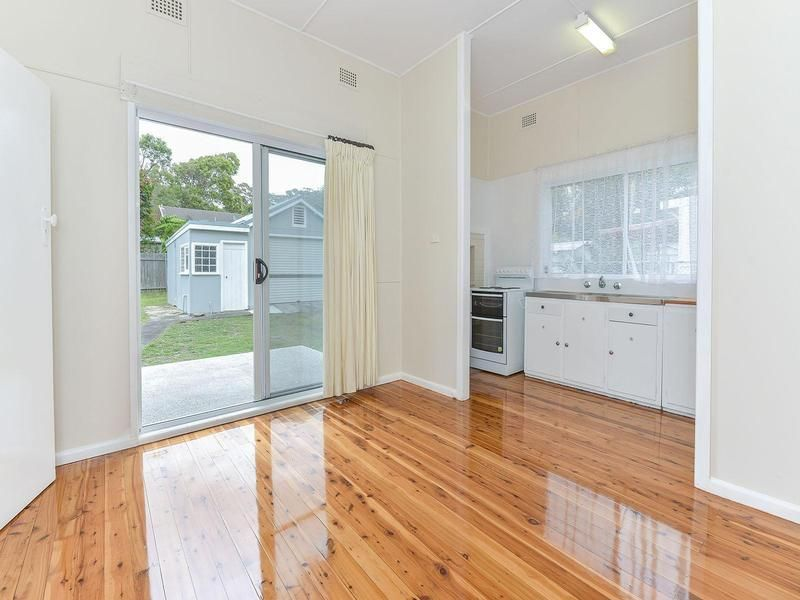 12 Three Points Avenue, MacMasters Beach NSW 2251, Image 2