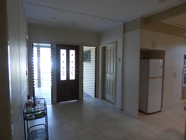 23 Charles Street, Roma QLD 4455, Image 2