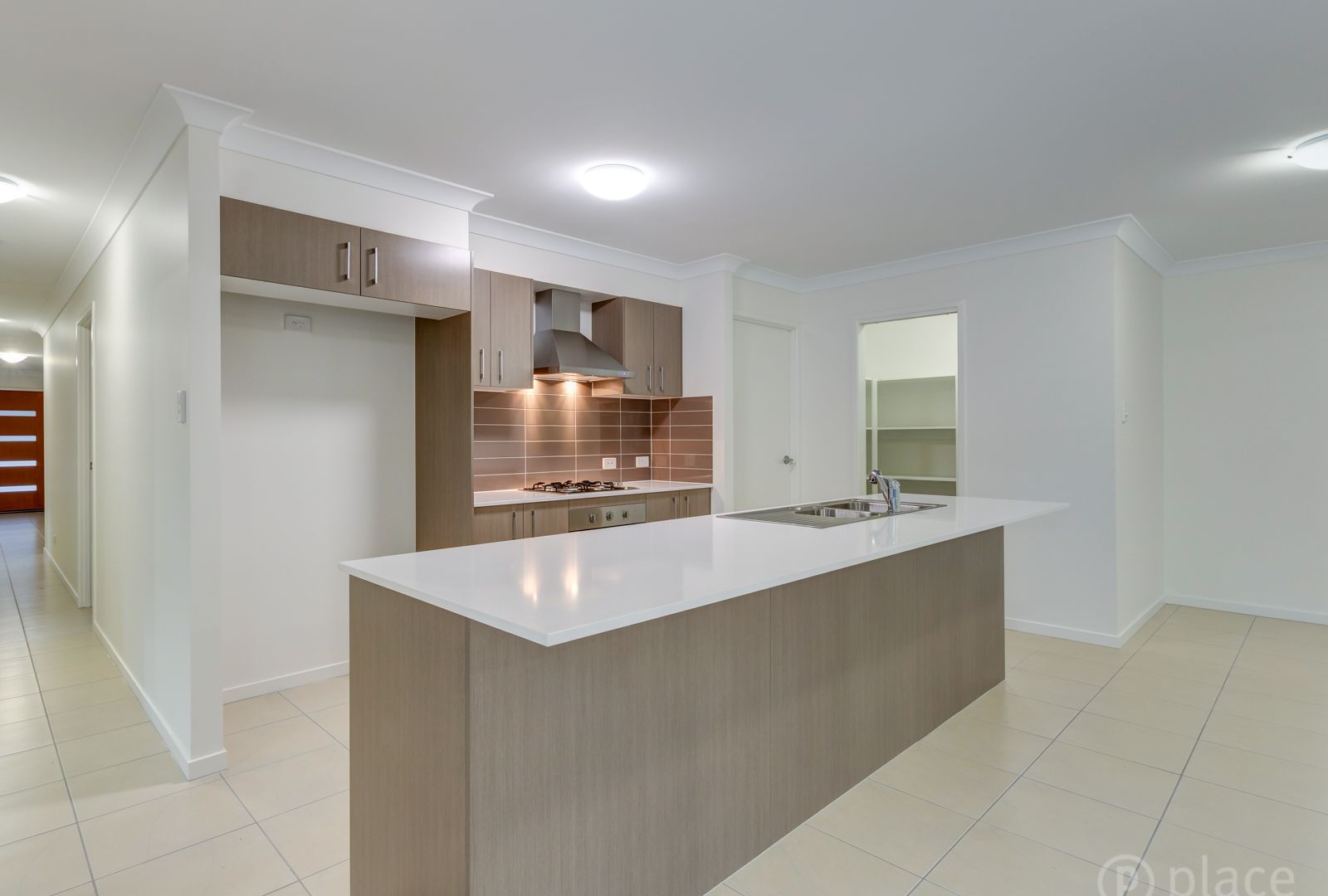 8 Windsor Drive, Upper Kedron QLD 4055, Image 2