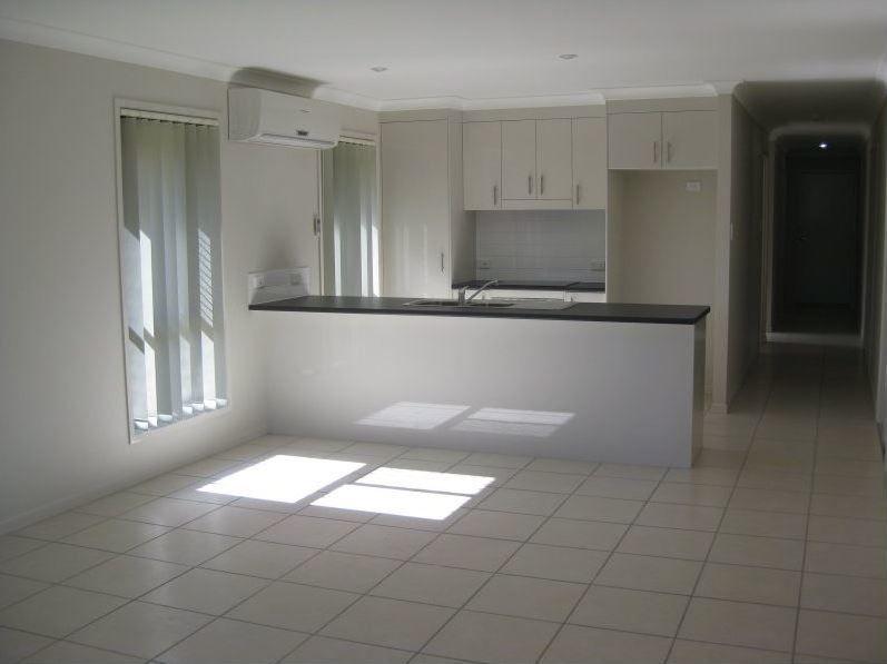 11 Shaun St, Redbank Plains QLD 4301, Image 2