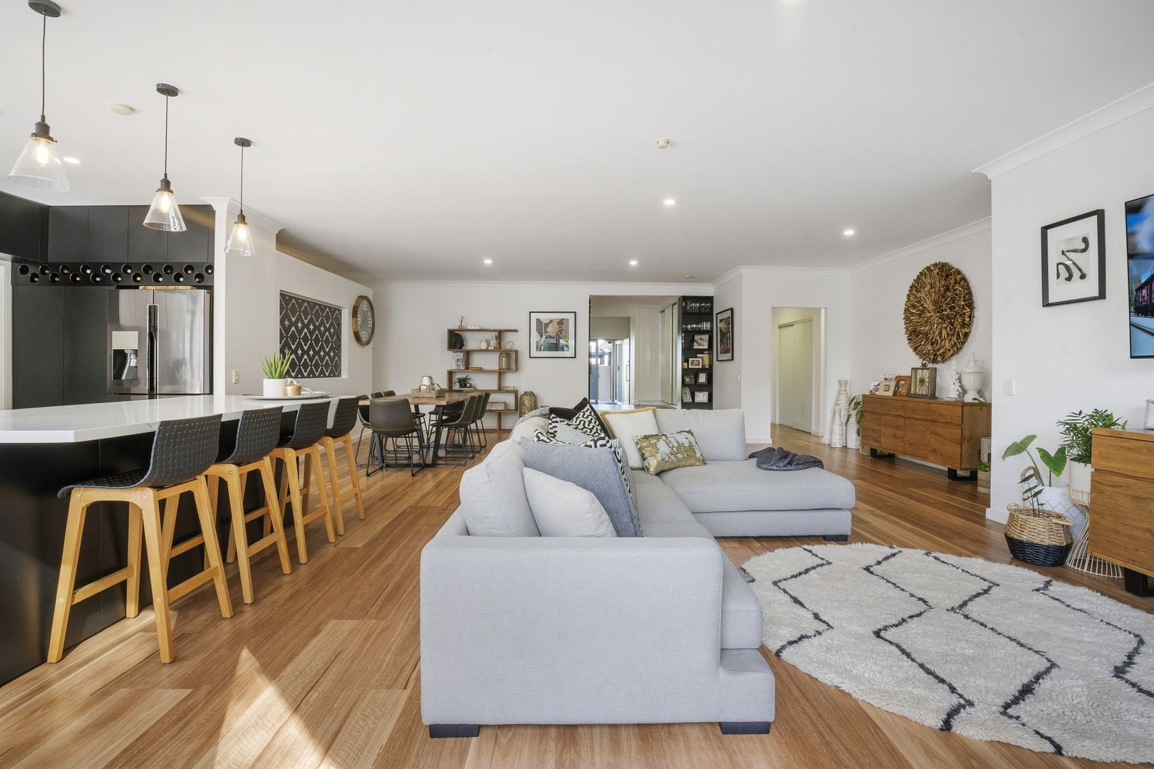 65 Crombie Avenue, Bundall QLD 4217, Image 2