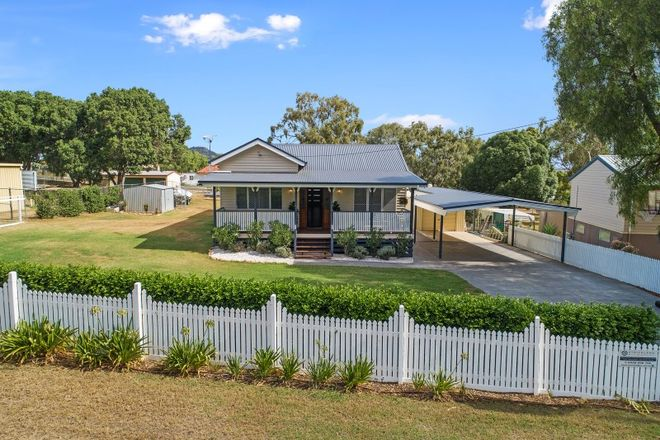 Picture of 4 Claire Lee Crescent, KINGSTHORPE QLD 4400