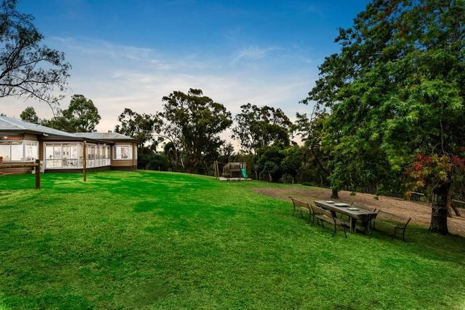 Picture of 26 Shaftesbury Avenue, ST ANDREWS VIC 3761