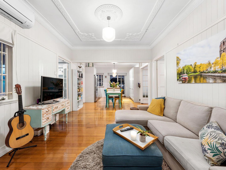 22 Murrell Street, Newmarket QLD 4051, Image 2