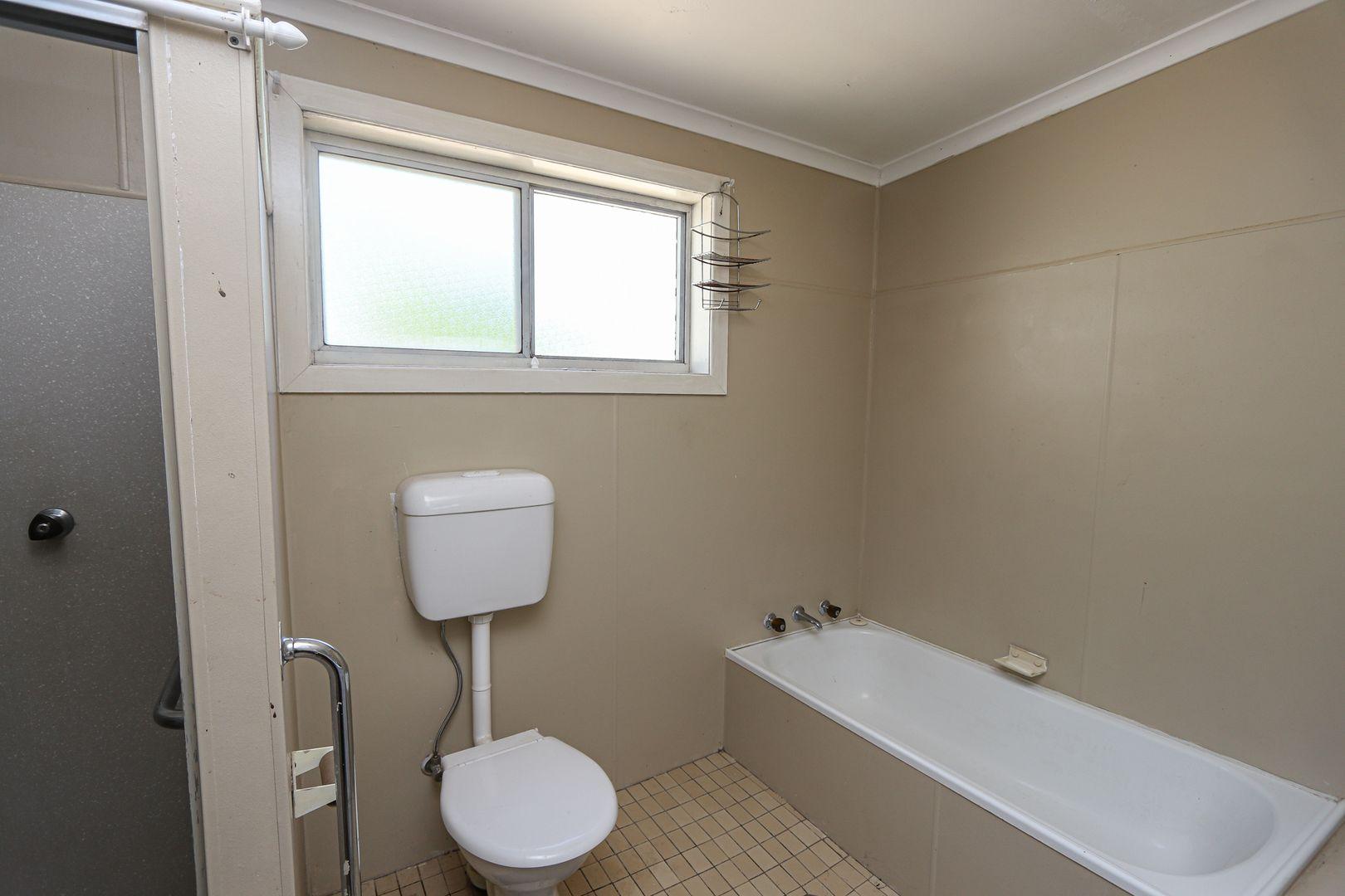 16 Maitland Street, West Wyalong NSW 2671, Image 2