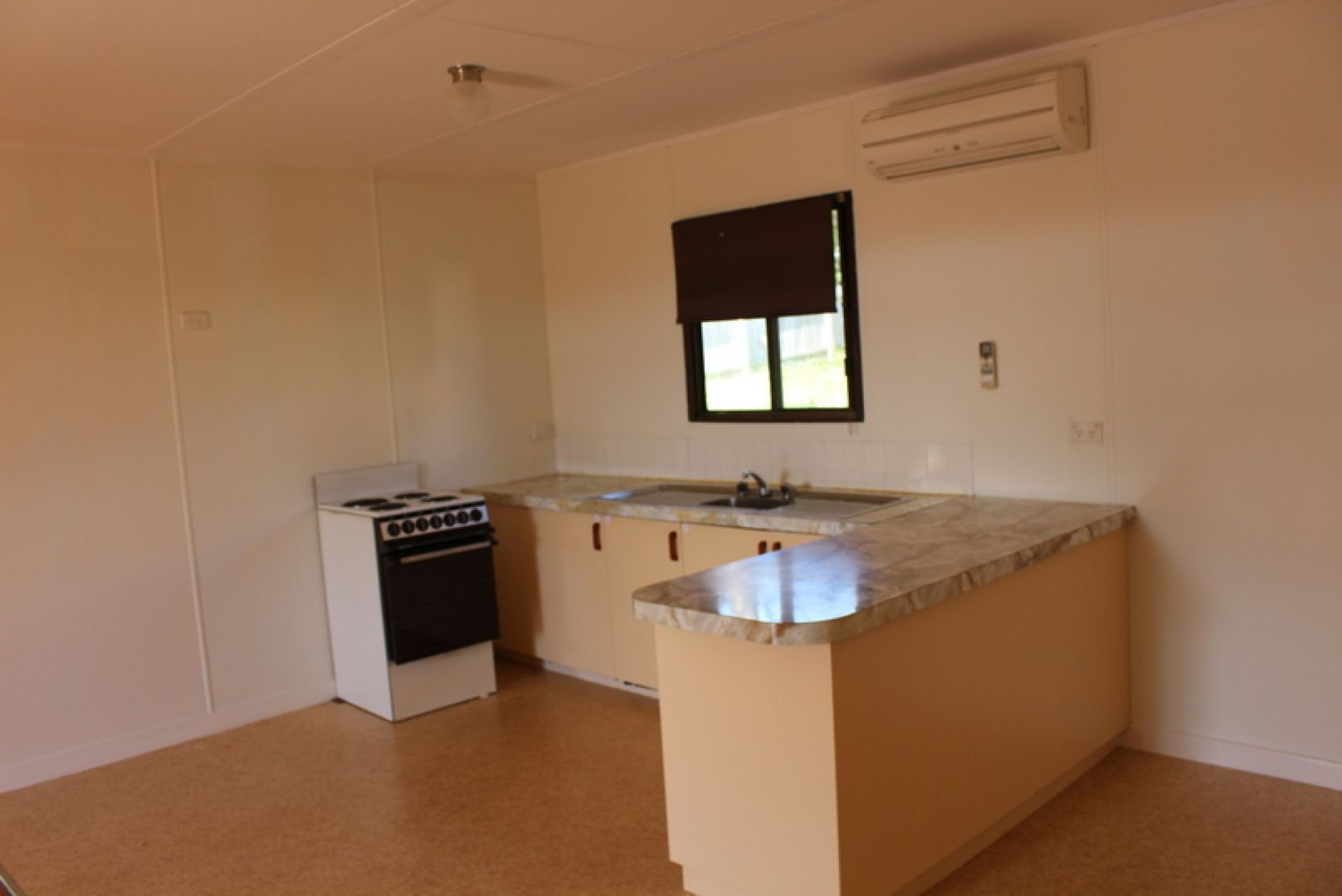 95 Country Club  Drive, Catalina NSW 2536, Image 2