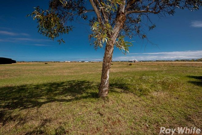 Picture of 198 Eastlyn Drive, DEEPDALE WA 6532