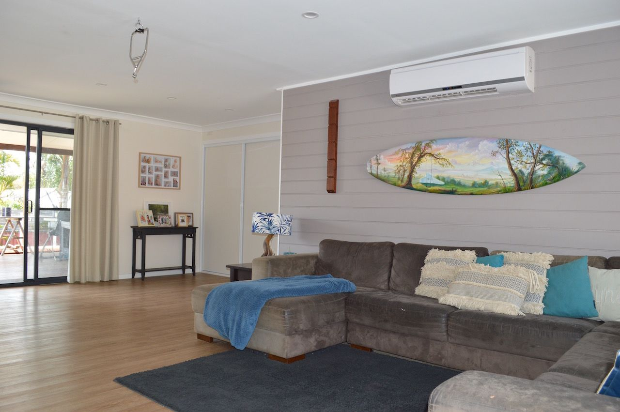 8 Darnel St, Elanora QLD 4221, Image 1