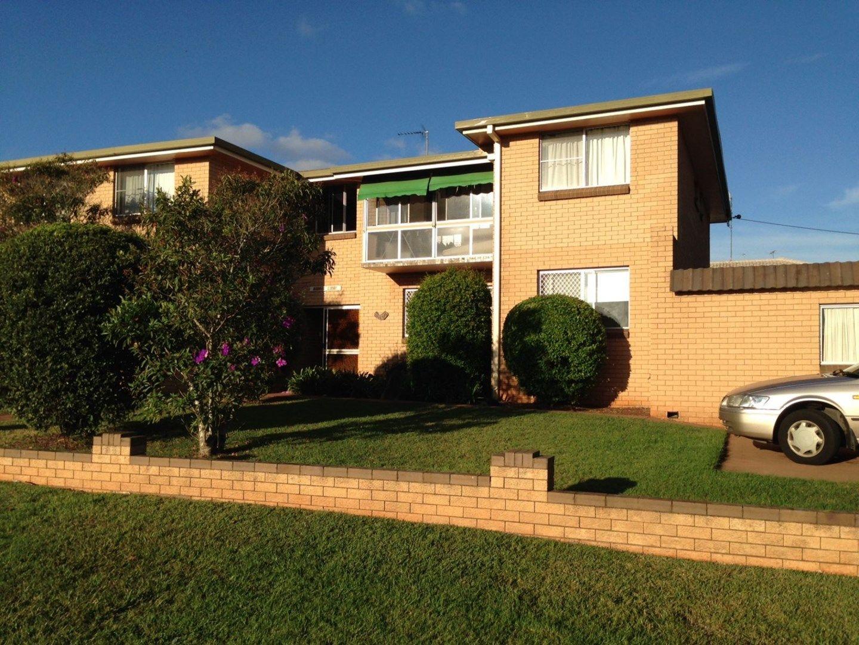 2/128 Curzon St, Rangeville QLD 4350, Image 0