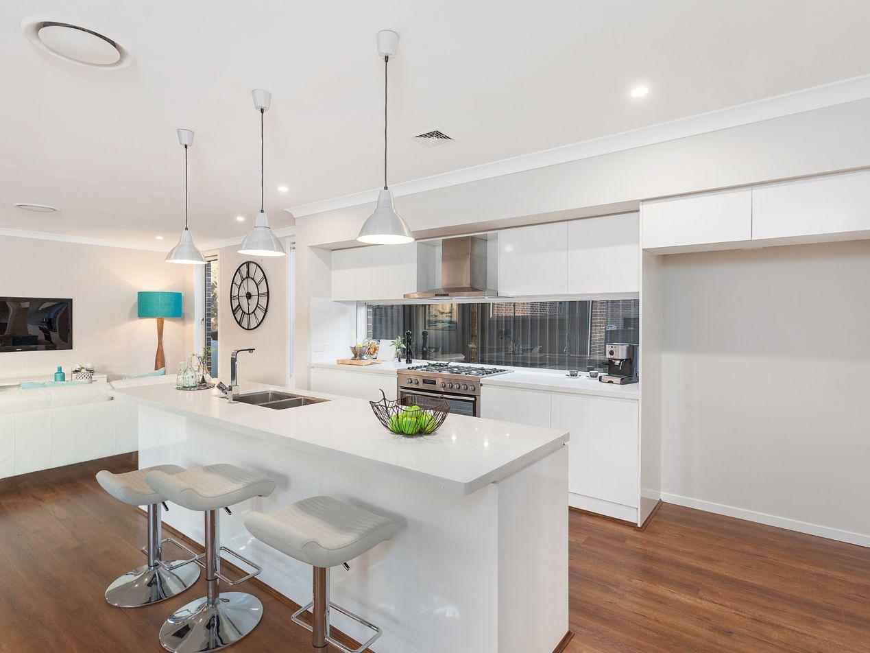 27 Applegum  Crescent, Kellyville NSW 2155, Image 1