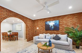 Picture of 27 Warburton Street, Chifley NSW 2036