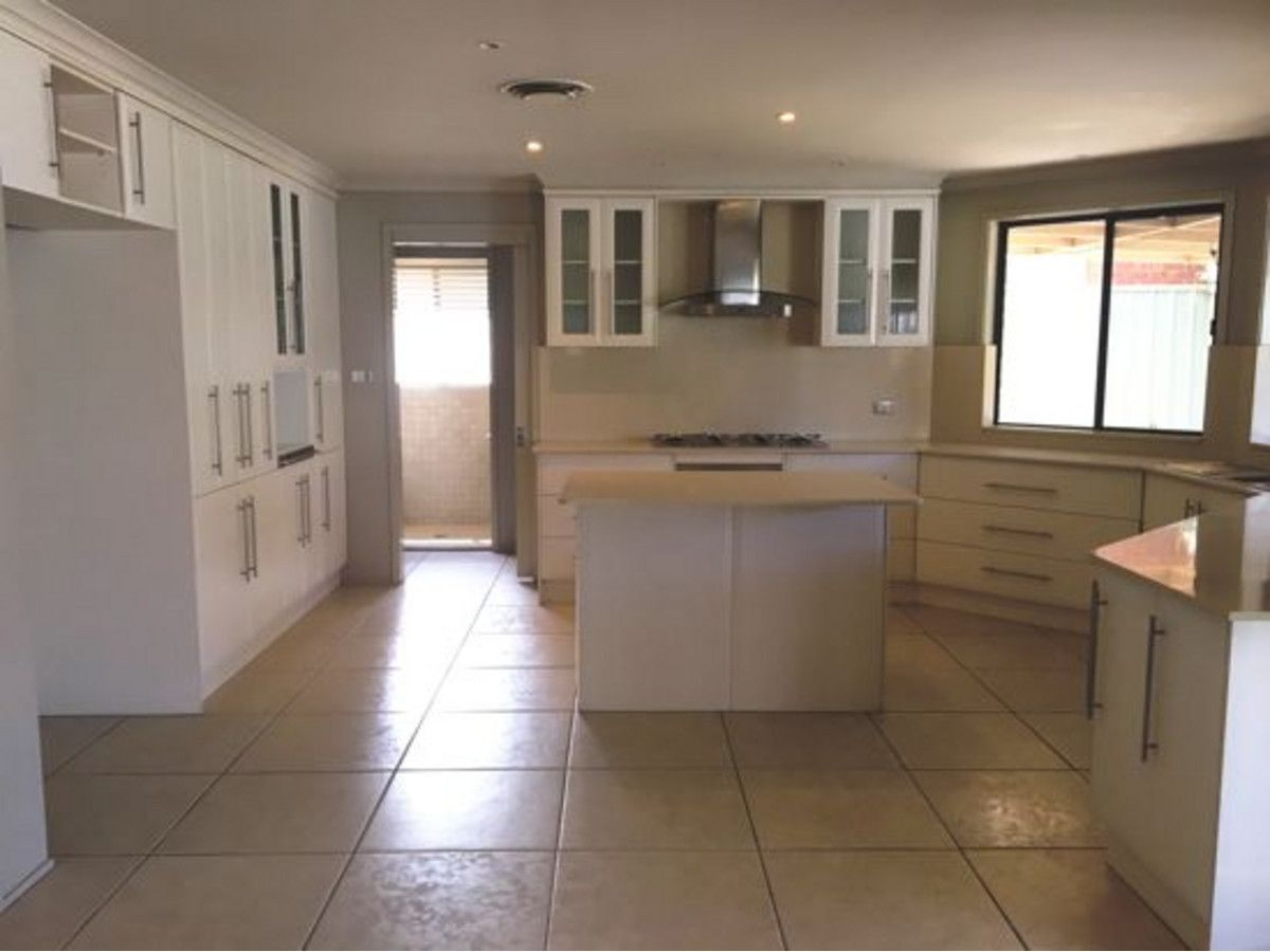 5 Guru Place, Glenmore Park NSW 2745, Image 2