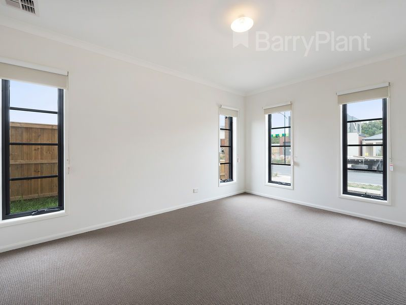 9 Grammar Parade, Wantirna South VIC 3152, Image 1