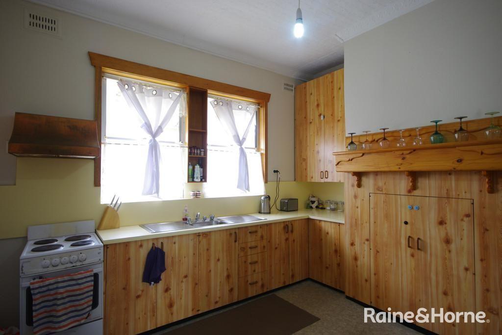 6 Nelson Street, Cowra NSW 2794, Image 1