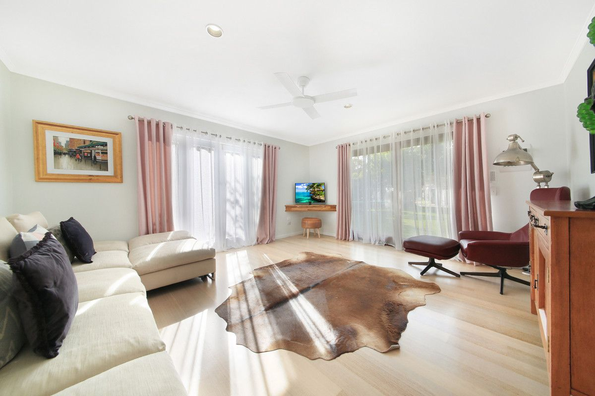 14 Kapala Street, Southport QLD 4215, Image 2