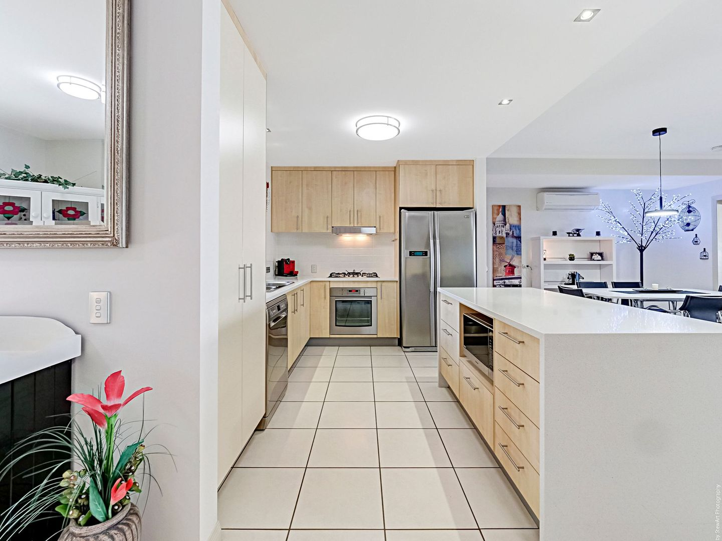15/230 Pulgul Street, Urangan QLD 4655, Image 2