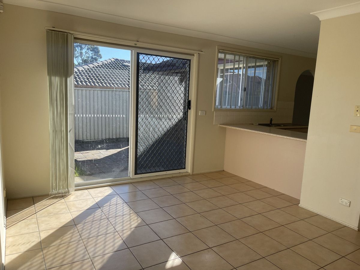 20 Elliott Place, St Helens Park NSW 2560, Image 1