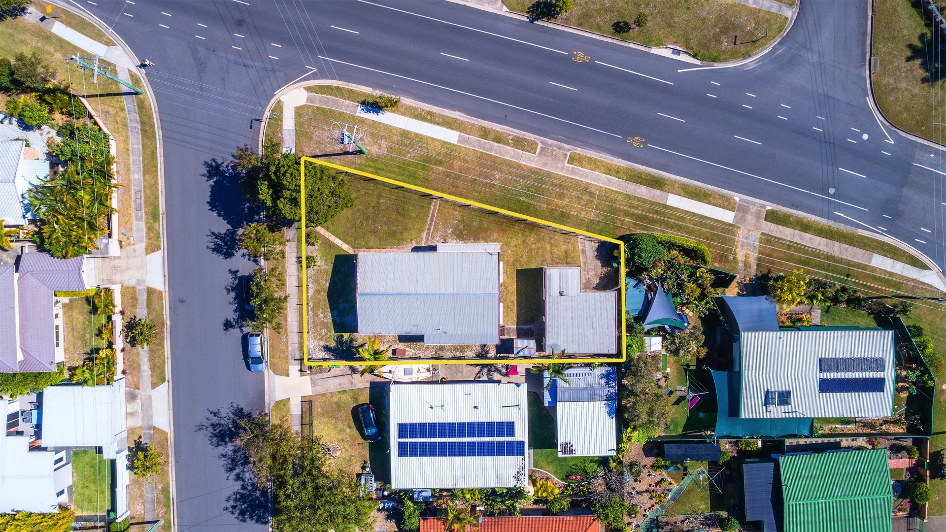 69 Errol Avenue, Paradise Point QLD 4216, Image 1