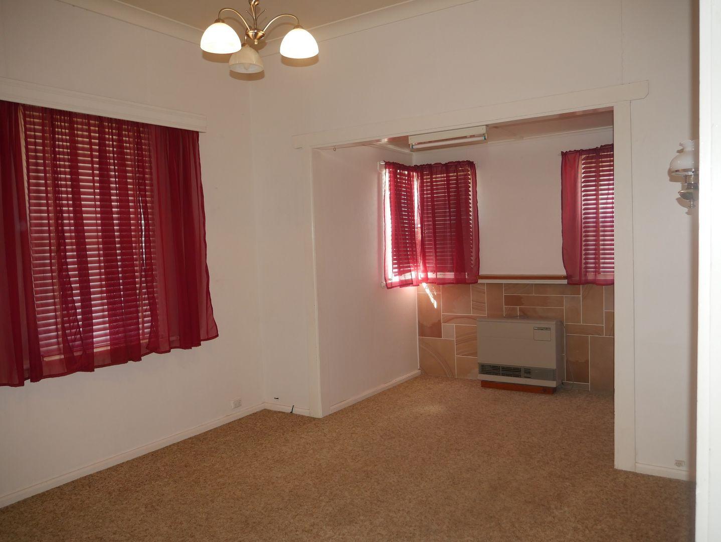 13 Wandoo Street, Leeton NSW 2705, Image 2