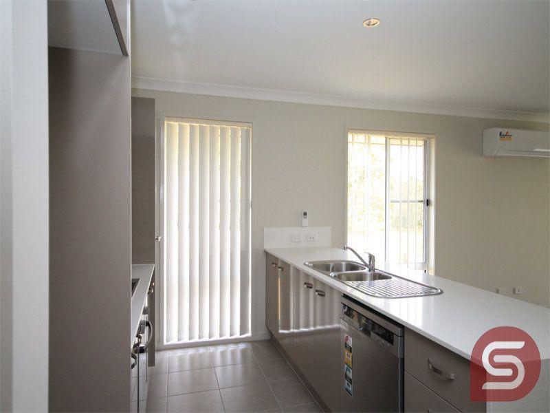 98 Bilby Dve, Morayfield QLD 4506, Image 2