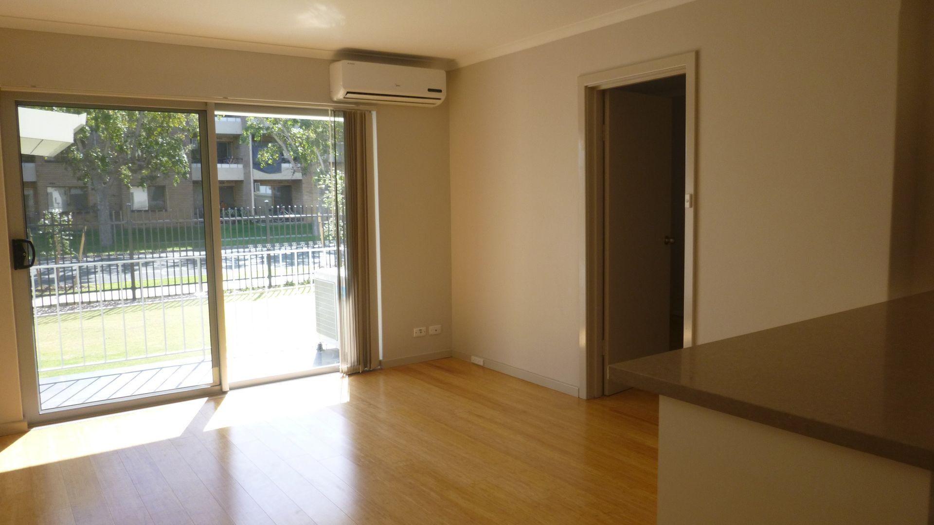 11/2 Lyall Street, South Perth WA 6151, Image 2