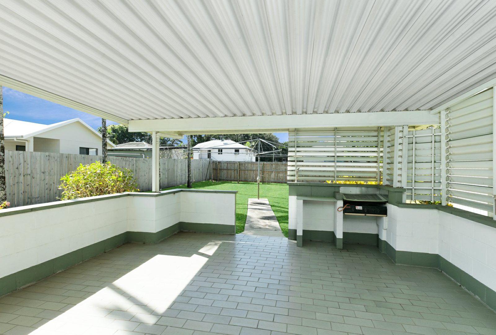 8 Olive Street, Manoora QLD 4870, Image 2